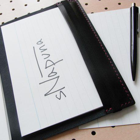 B6情報カードケース商品画像010:見開き【右】は未使用のカードホルダーです。