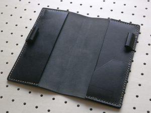 ほぼ日手帳weeksカバー商品画像004:開いた時の内側の画像です。