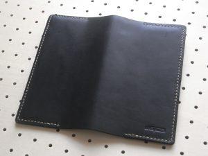 ほぼ日手帳weeksカバー商品画像005:開いて外側の画像です。