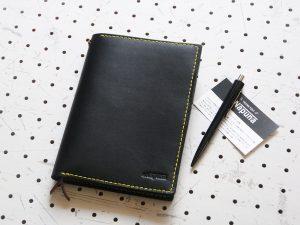 ノートカバー(B6)商品画像010:シンプルなノートカバーです。