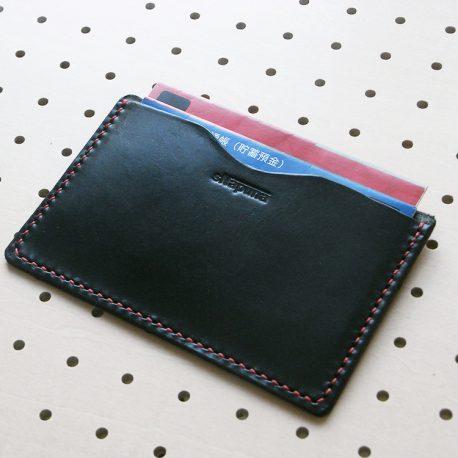 通帳カバー商品画像009:一般的な通帳の場合、2冊の収納が出来ます。
