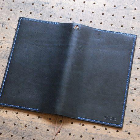 たびまるカバー商品画像004:展開して表側(ロゴ面)の画像です。