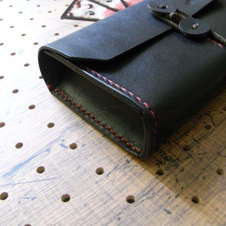 デッキケース商品画像003:側面から見た画像です。箱型になっています。