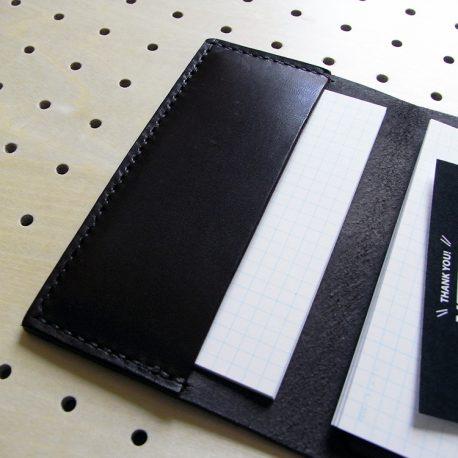 情報カードケース(5×3インチ)商品画像007:カード15枚収納後の左ポケットの感じです。