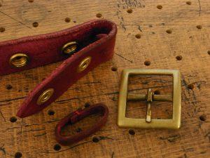 ベルト(30mm・真鍮バックル)商品画像008:バックルとベルトループは取り外しができます。3cm用のバックルであればお好きなものと交換も可能です。