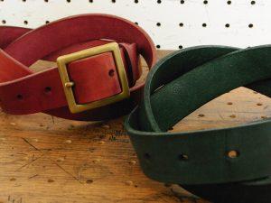 ベルト(30mm・真鍮バックル)商品画像013:革の色は赤・緑・茶・黒の4色からお選びいただけます。
