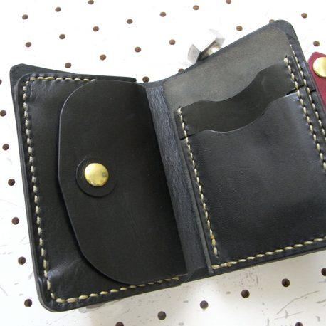 ハーフウォレットhw002-005商品画像:展開して内側の小銭入れとカード収納の画像です。
