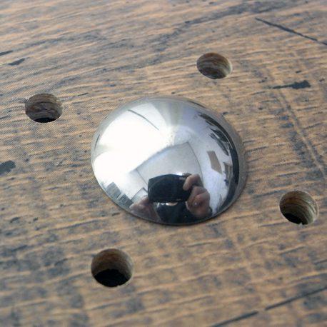 プレーンコンチョ商品画像001:少し横角度から撮影しました。
