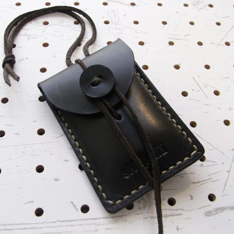 お守りケース(ボタン仕様)商品画像007:表正面の画像です。