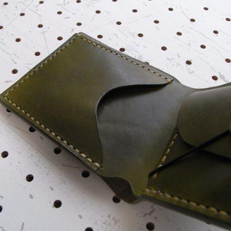 シンプルウォレット商品画像004:カード収納は少しゆとりを持たせたサイズにしているので10枚程度の収納が可能です。