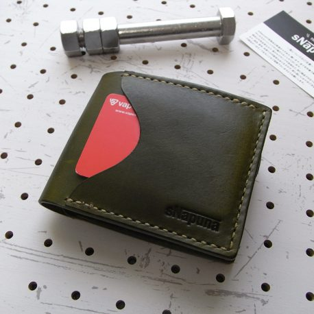 シンプルウォレット商品画像011:表面のカード収納です。