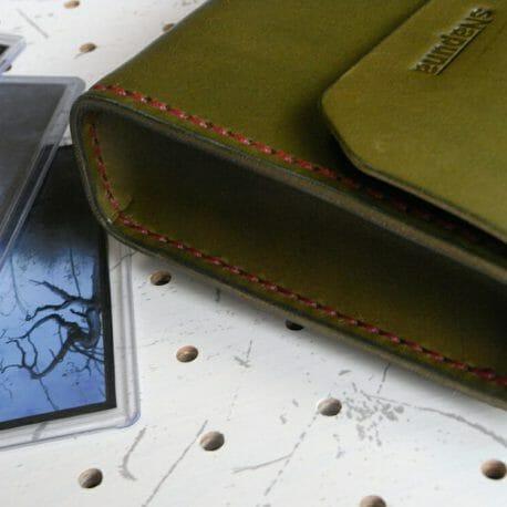 デッキケースL(ローダー対応)商品画像006:側面は箱型になっています。