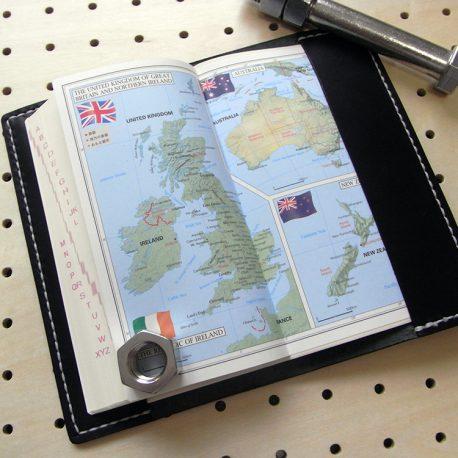 デイリーコンサイス英和(和英)辞典カバー(ハンディータイプ)商品画像007:辞書を入れた時の裏表紙側の画像です。