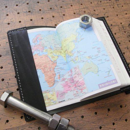 デイリーコンサイス英和・和英辞典カバー(ハンディータイプ)商品画像006:辞書を入れた時の表紙側の画像です。