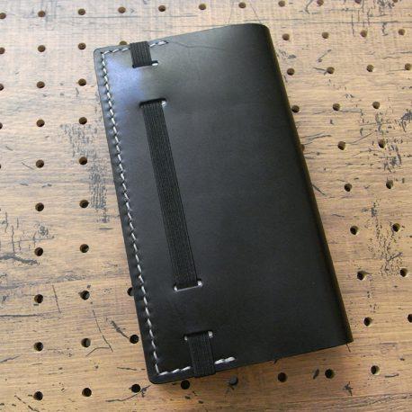 デイリーコンサイス英和・和英辞典カバー(ハンディータイプ)商品画像009:辞書を入れて時の裏側の画像です。