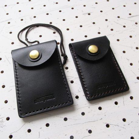 お守りケース(Lサイズ)商品画像006:通常のお守りケースとの比較画像です。左がLサイズとなります。