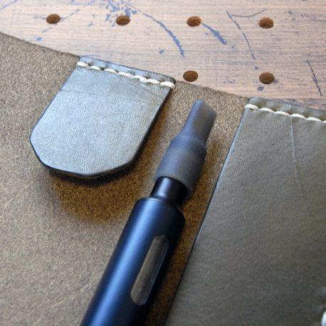 プルームテックプラスケース(Lサイズ)商品画像007:マウスピースを含めて約16.5cmの長さに対応しています