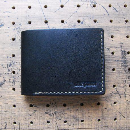 シンプルウォレット(札カード入れ)商品画像002:表側の画像です
