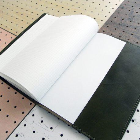 B5ノートカバー(セミB5・6号)商品画像008:差し込みポケットは左右対称です。