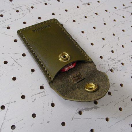 お守りケース003 商品画像005:お守りはしっかり入ります
