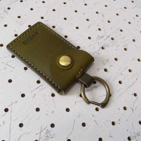 お守りケース003 商品画像008:金具を付けてみました。※商品は本体のみです。金具は付属しません。