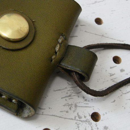お守りケース003 商品画像009:お好きなものを取り付けられます。※商品は本体のみです。革紐や金具は付属しません。