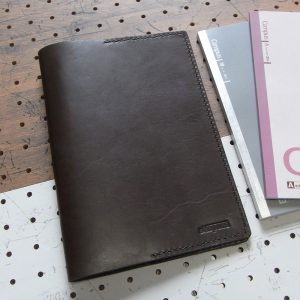 A5ノートカバー商品画像000:シンプルなA5ノートカバーです。
