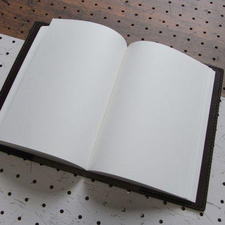A5ノートカバー商品画像008:収納するとこんな感じです