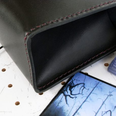デッキケースXXL(ローダー対応&65mm厚収納対応)商品画像006:側面は箱型に縫い合わせています