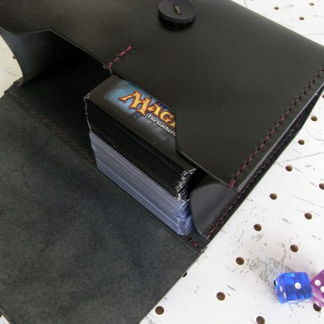 デッキケースXXL(ローダー対応&65mm厚収納対応)商品画像009:65mm厚(画像ではローダー20枚+1回スリーブ60枚)もしっかり収納できます。