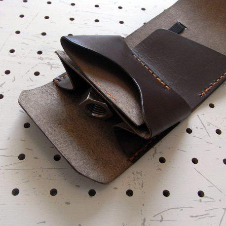ミニマムウォレット002(ゴムバンド)商品画像006:上の部分はカード収納、下の部分は小銭入れです