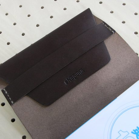 文庫本カバー(フリーサイズ※A6規格)商品画像007:ロゴは折り返し箇所に刻印しています