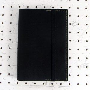 四六判ブックカバー(188×128mm※フリーサイズ)商品画像000:フリーサイズなので厚さに関係なく収納できます