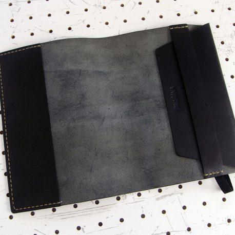 四六判ブックカバー(188×128mm※フリーサイズ)商品画像003:フリーサイズなので右側が調整できる仕様になっています